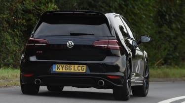 Volkswagen Golf GTI Clubsport UK 2016 - rear cornering