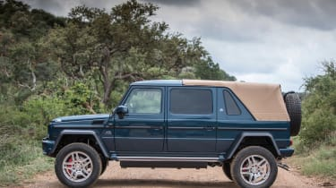 Mercedes-Maybach G 650 Landaulet - roof closed
