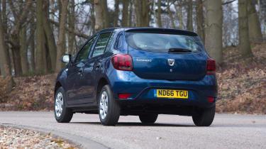 Dacia Sandero facelift - rear cornering