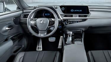 Lexus ES F-Sport - dash