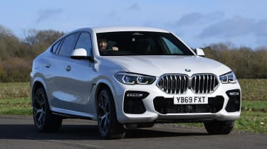 BMW X6 - front cornering
