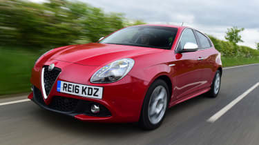 Alfa Romeo Giulietta 2016 facelifted - front tracking