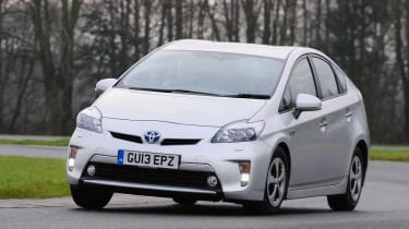 Toyota Prius plug-in 2013 front action