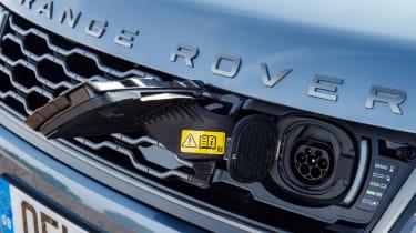 Range Rover Sport P400e - socket