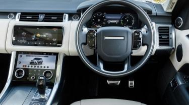 Range Rover Sport P400e - dash
