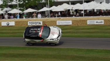 Nissan Juke stunt