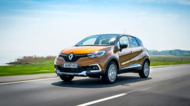 Renault Captur - front action