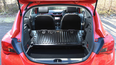 Vauxhall Corsa Red Edition - boot seats down