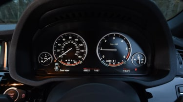Used BMW X4 - dials