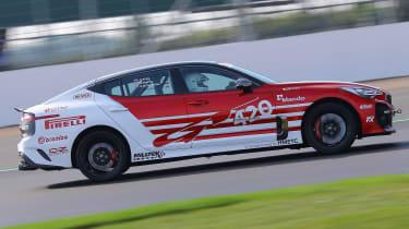 Kia Stinger GT420 - side tracking