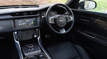 Jaguar XF Sportbrake 3.0 diesel S - cabin
