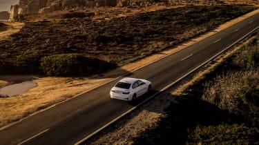 BMW 330e - rear panning