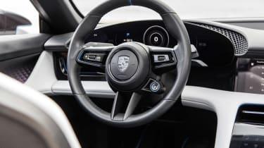 Porsche Mission E Cross Turimso - steering wheel