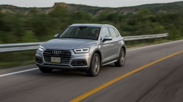 New Audi Q5 - front tracking