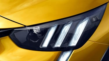 Peugeot 208 - front light