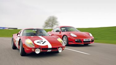 Porsche Cayman R vs 904 header