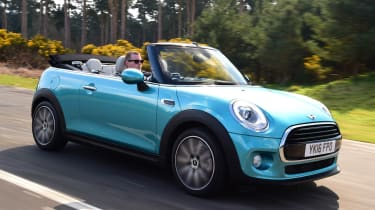 MINI Cooper Convertible 2016 - front tracking