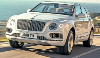 Bentley Bentayga PHEV front quarter