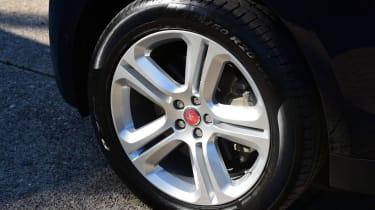 Jaguar F-Pace 3.0d 2016 - wheel