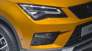SEAT Ateca SUV 2016 - reveal headlight