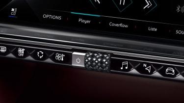 DS 9 - interior controls
