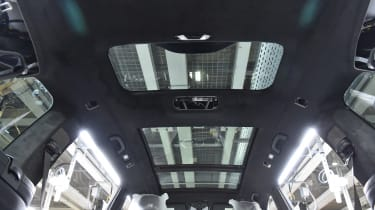 BMW SUVs feature - BMW X7 Sunroof
