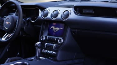Ford Mustang - cabin
