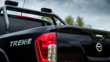 Nissan Navara Trek -1 rear detail