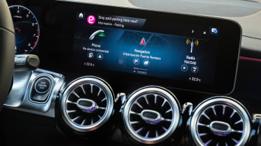 Mercedes GLB - infotainment