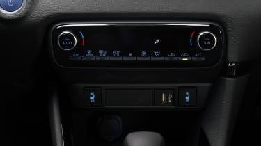 Toyota Yaris - climate control studio