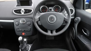 Renault Clio Sport Tourer dash