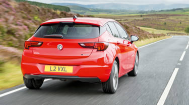 Vauxhall Astra BiTurbo 2016 - rear tracking