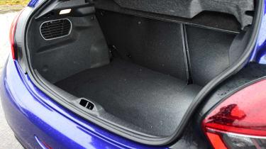 Peugeot 208 GTi - boot