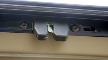 Used Volvo XC90 - rear door latch