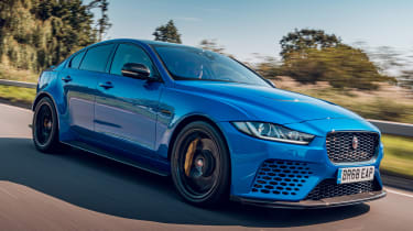 Jaguar XE Project 8 - front tracking