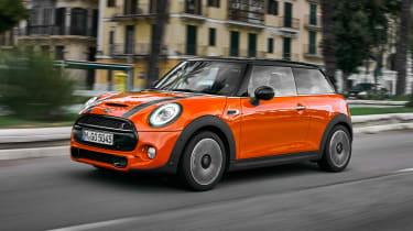 MINI Hatch - front action