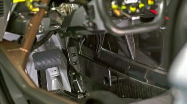 Audi R8 LMS GT2 - pedals