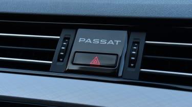 Volkswagen Passat dash logo