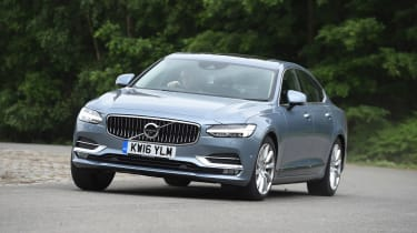 Volvo S90 - UK front cornering