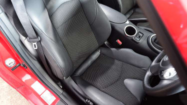 Nissan 370Z - front seat