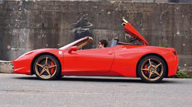 Ferrari 458 Spider roof