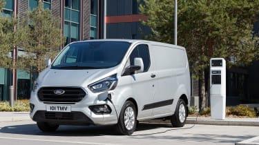 Ford Transit Custom PHEV - charging
