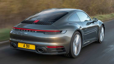 Porsche 911 Carrera - rear tracking