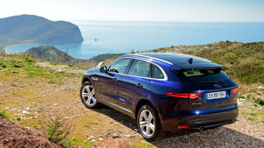 Jaguar F-Pace 3.0d 2016 - rear quarter