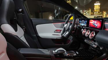 Mercedes-AMG CLA 35 - cabin