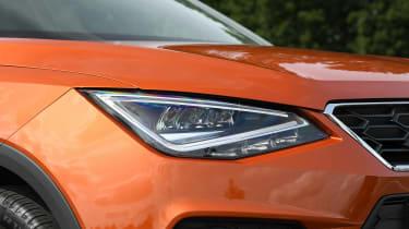 SEAT Arona - headlight