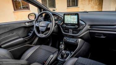 Ford Fiesta Active - cabin