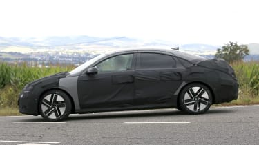 Hyundai Ioniq 6 - spyshot 4