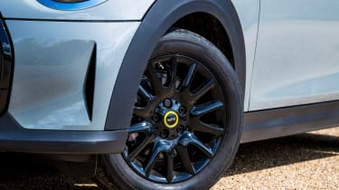 MINI Electric - wheels