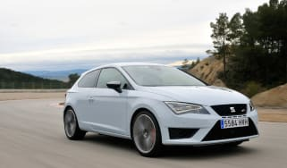SEAT Leon Cupra 280 front tracking